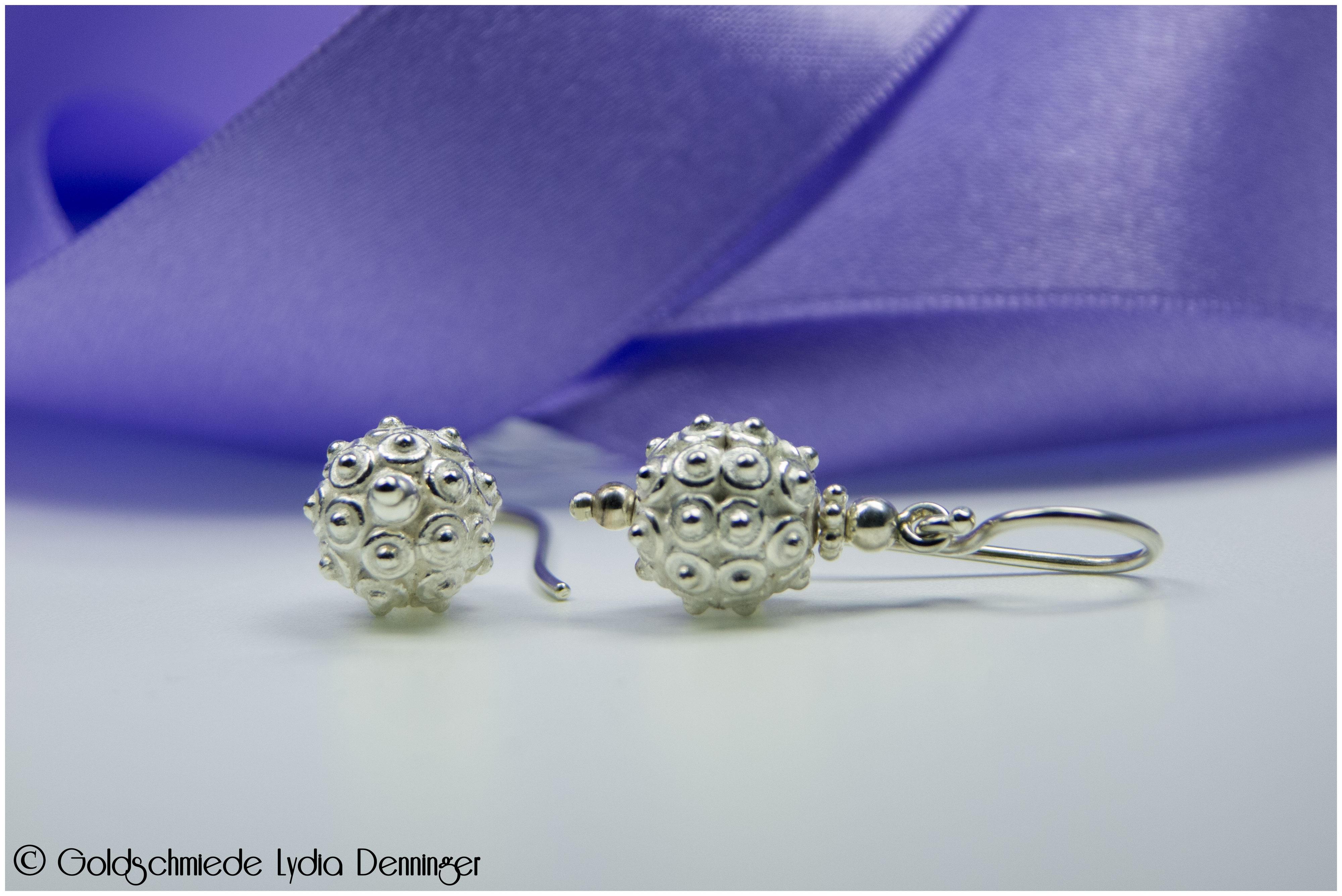 Ohrhänger 925/- Silber Kugel mit Dots