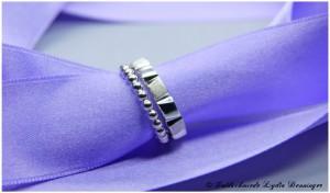 Kerbenring 925/- Silber mit eckigen Kerben abwechselnd poliert und mattiert und Perldrahtring