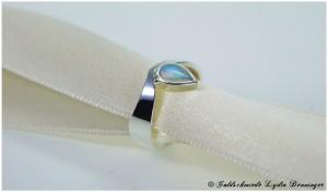 Silberring 925/- mit echten Opal in Tropfenform