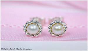 Perlen Ohrstecker Kordeldraht 925 Silber in der Perlschale