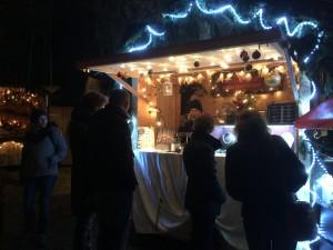 Besucher an meinem Stand Türkenfelder Bergweihnacht 2015