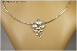 Plättchenanhänger in 925/- Silber und 585/- Gelbgold mit Omega-Silberhalsreif