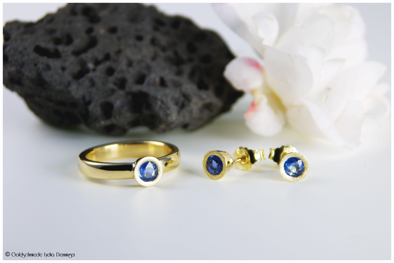 Verlobungsring Gelbgold 585/- mit Saphir und passende Ohrstecker dazu