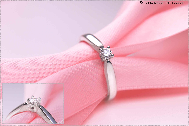 Verlobungsring in Silber mit Brillant